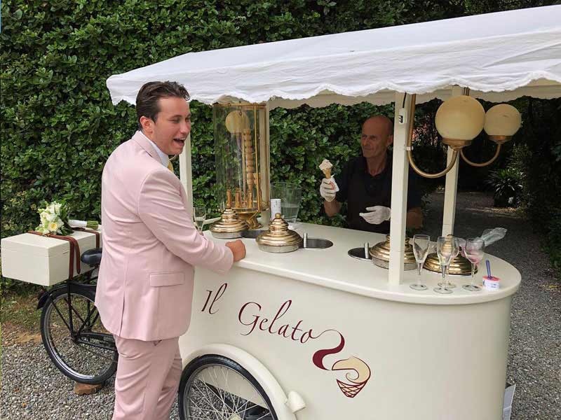 Guests were very pleased to get their hands on some ice cream during the aperitivo.